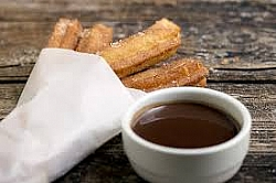 FIESTAS DE LA COSTERA 2019: Churros and hot chocolate for all attendees.